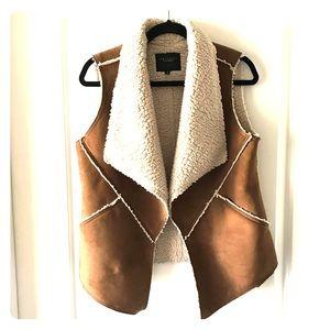 Vest faux Sherpa   Size: M  Sanctuary Clothing